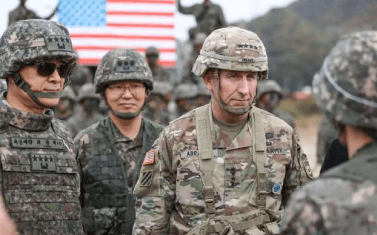 驻韩美军再曝暴力事件,大学附近砸车打人,韩国人为何争相原谅?