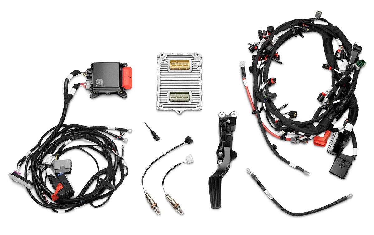 Hot Rod Engine Tech Mopar Debuts Supercharged Hemi Crate