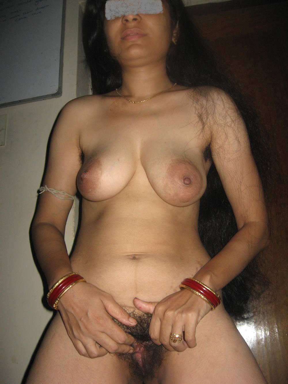 Hot Aunty Saree Wear Without Blouse And Panty Pic-7177