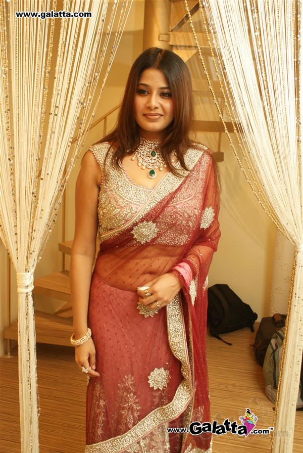 Saree Petticoat Mein House Wife Ki Nangi 25 Photos-1197