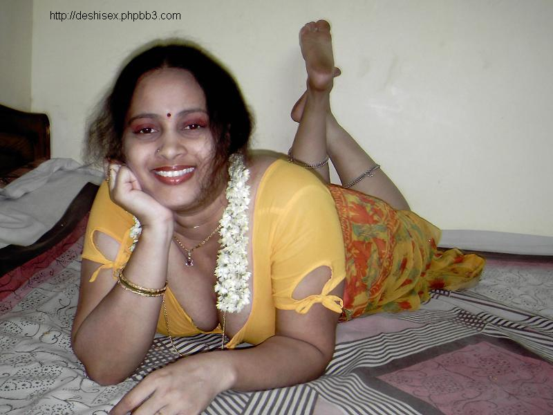 Fatty Aunties Blouse Deep Cleavage - Gandi Sex Photo-3460