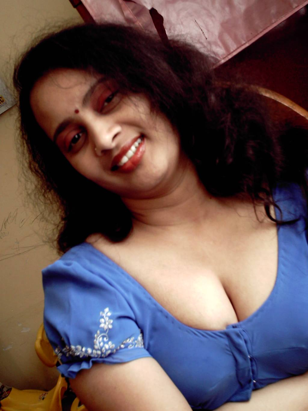 Fatty Aunties Blouse Deep Cleavage - Gandi Sex Photo-9320