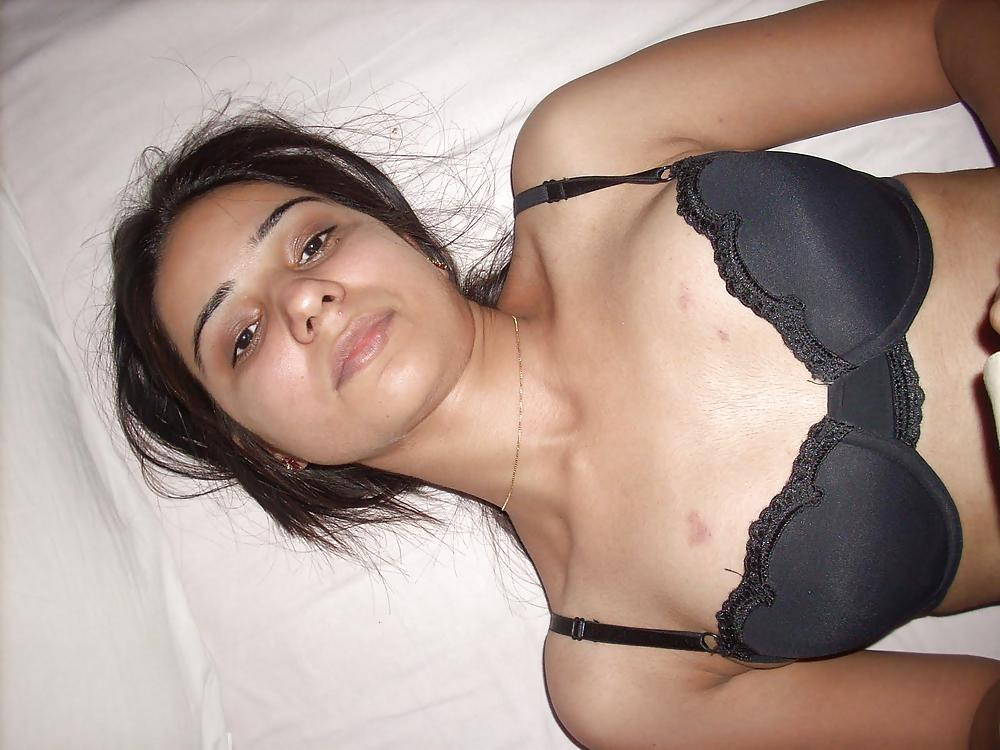 pakistani girl enjoying sex