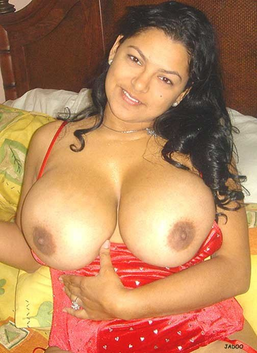 Real Milf Mallu Aunty In Red Bra Panty Exposing Nude Boobs-8692