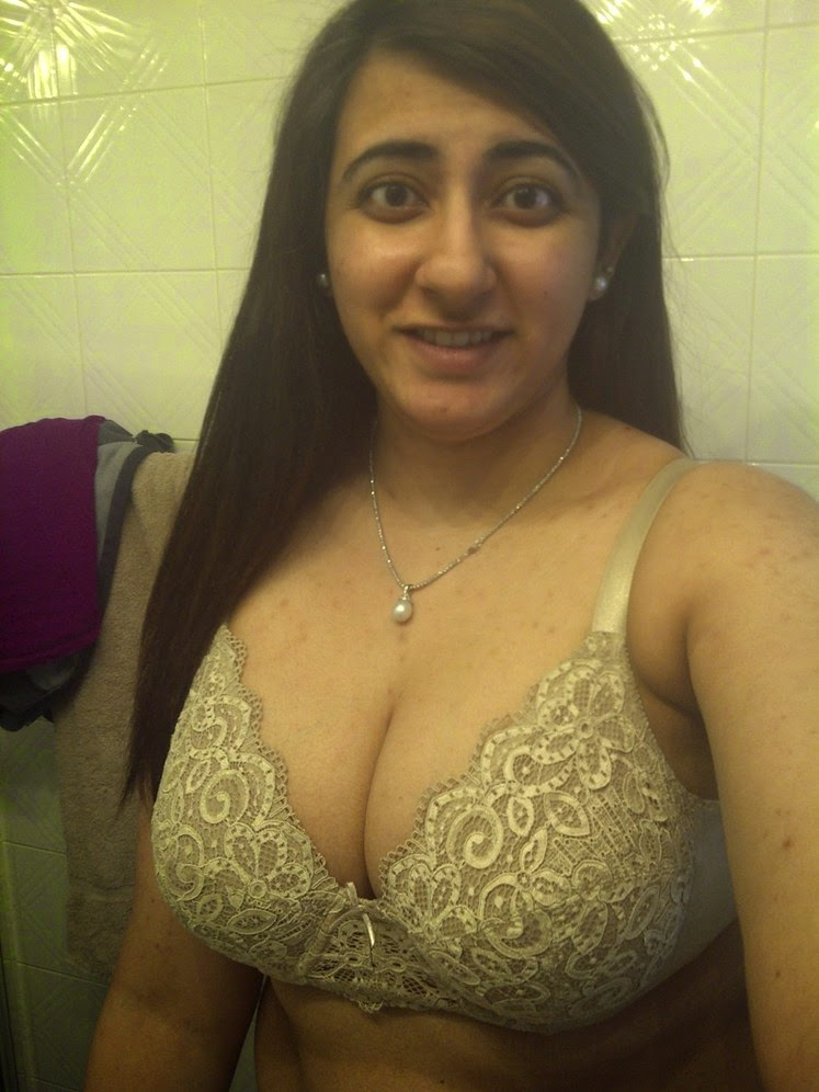 Hindustan Aunties N Ladies With Big Boobs Under Bra  Desi -2431