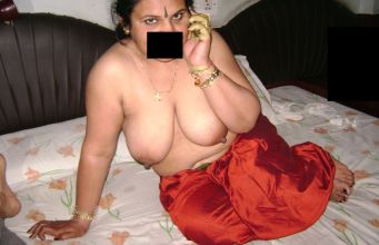 Telugu big booty saree remove nude