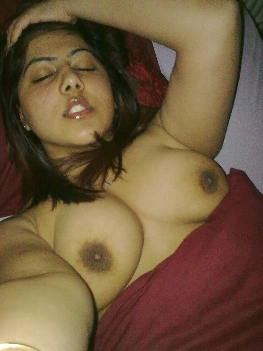 Neked girl indian-8893