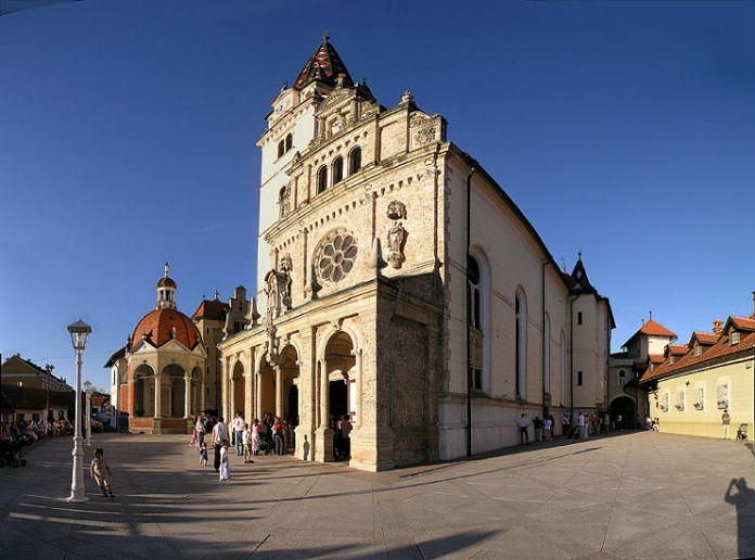MARIJA BISTRICA-crkva s prednje strane