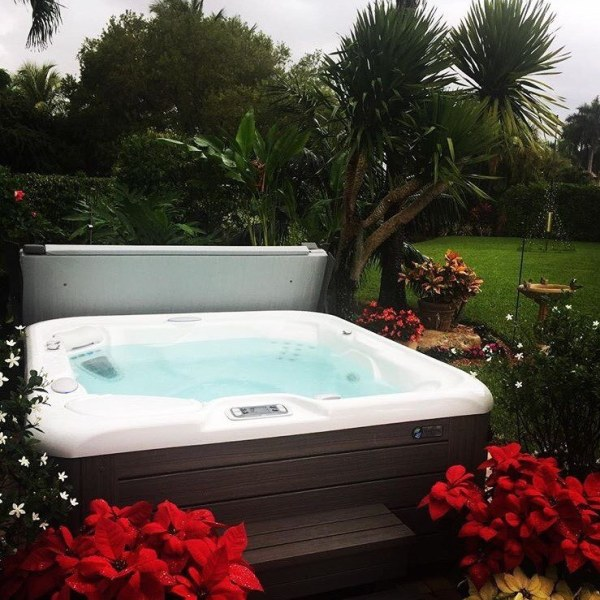 outdoor hot tub landscaping ideas