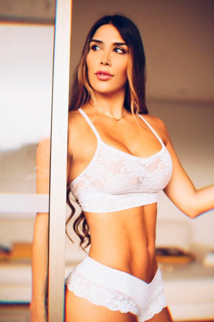 Eliza Estrada HotSweetHome