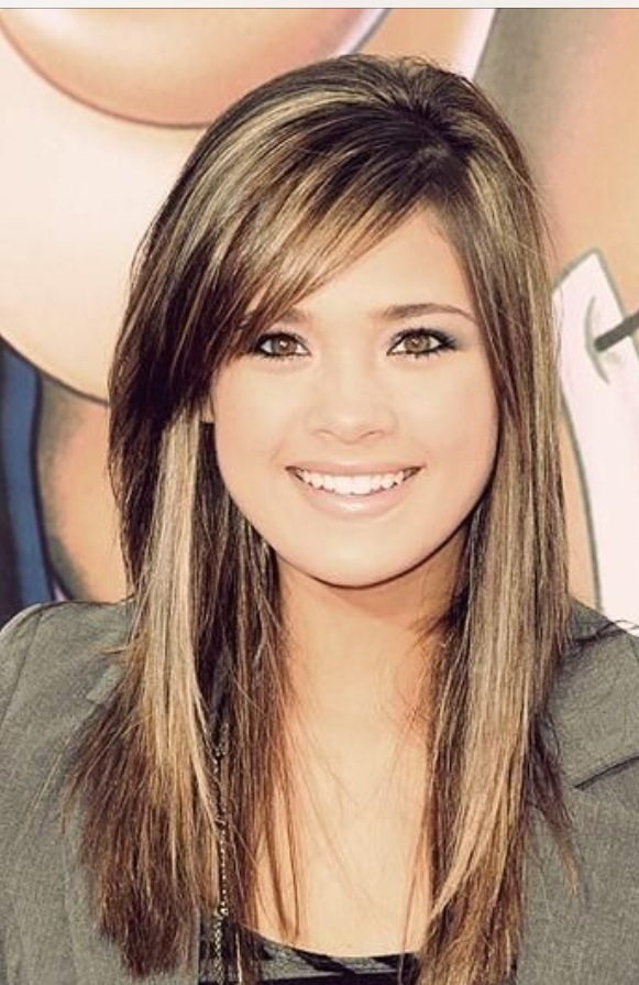 26 most glamorous looking haircuts with side bangs