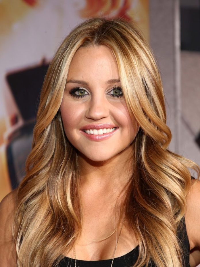 hairstyles-for-long-hair-and-round-face