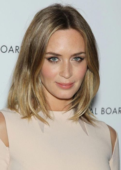 oval-face-hairstyles-long-hair
