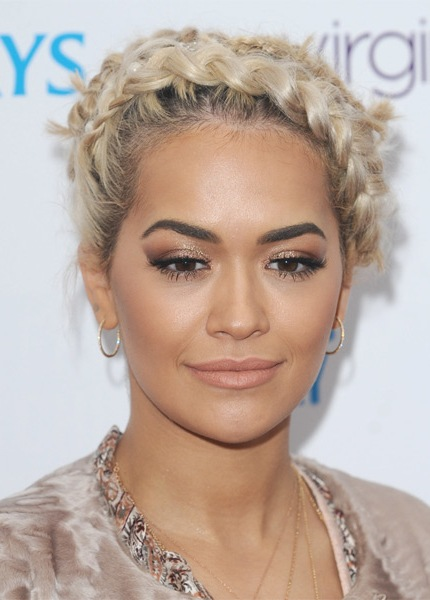 rita-ora-casual-curly-updo-braided-hairstyle