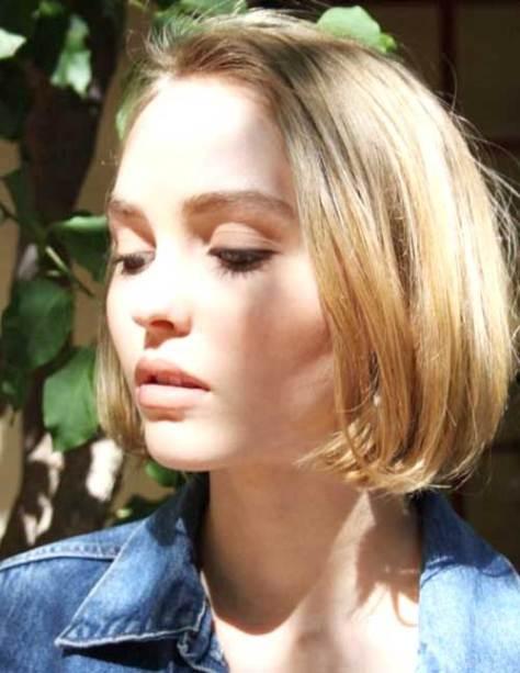 short-blonde-straight-hair