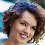 30 Popular And Trendy Curly Hairstyles For Teenage Girls