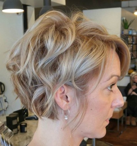 short-tousled-hairstyle