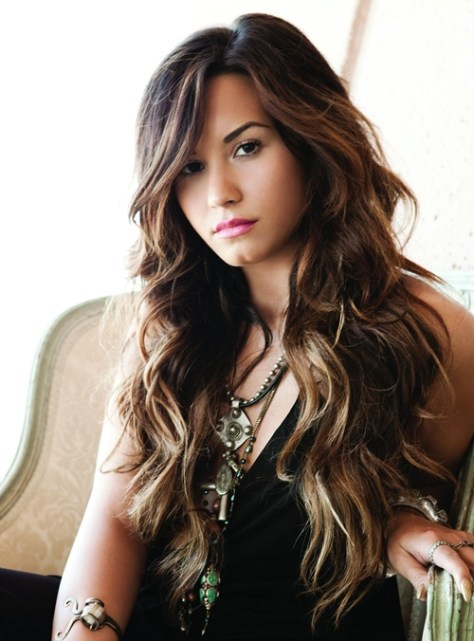 long-wavy-hairstyles-with-bangs