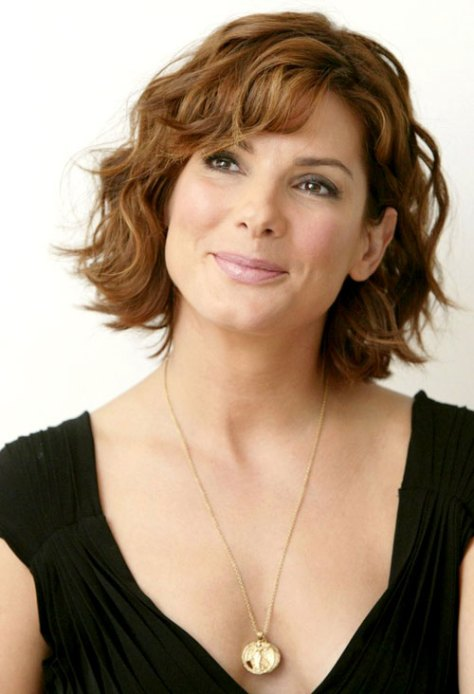 short-wavy-hairstyles-for-older-women