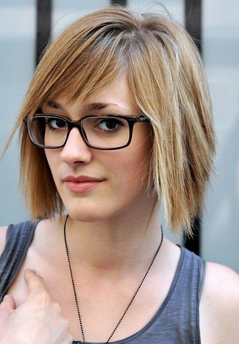 straight-hairstyles-for-short-hair
