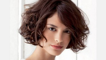 25 most superlative medium bob hairstyles for fabulous look 21 stylish and glamorous curly bob hairstyle for women solutioingenieria Images