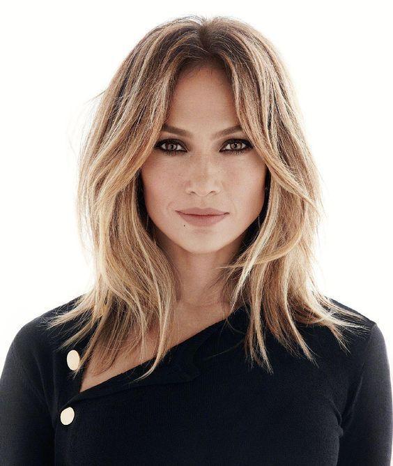Jennifer Lopez's Middle Parted Blonde Hair