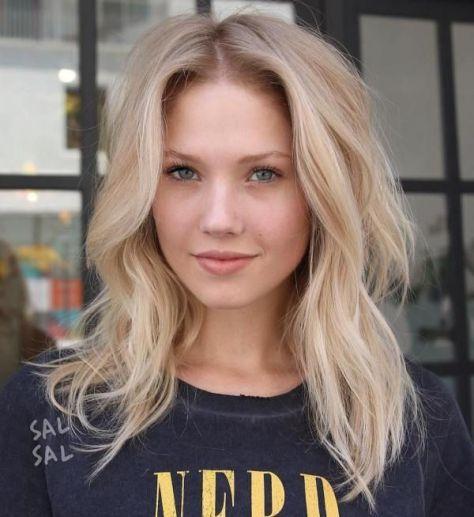 Medium Blonde Hair with Waves