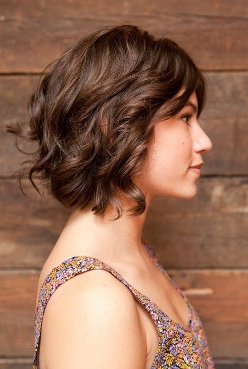 Brown Short Wavy Hair with Curls