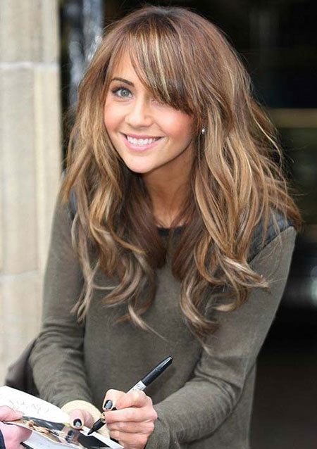 Blonde Wavy Hair with Side Bangs
