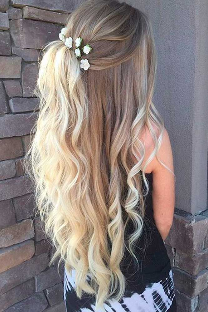 Blonde Wavy Hairstyle for Long Hair