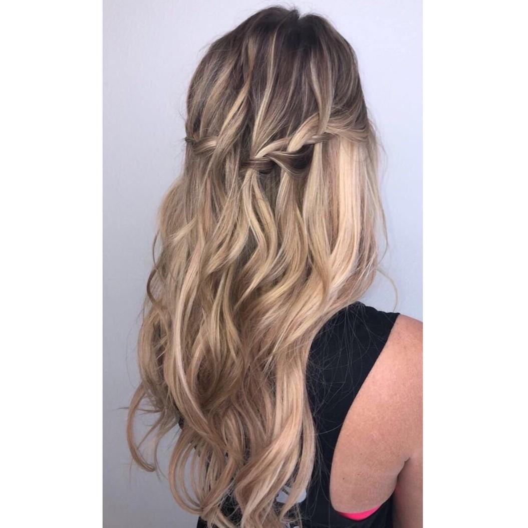 Halo Hair Extensions Las Vegas Model