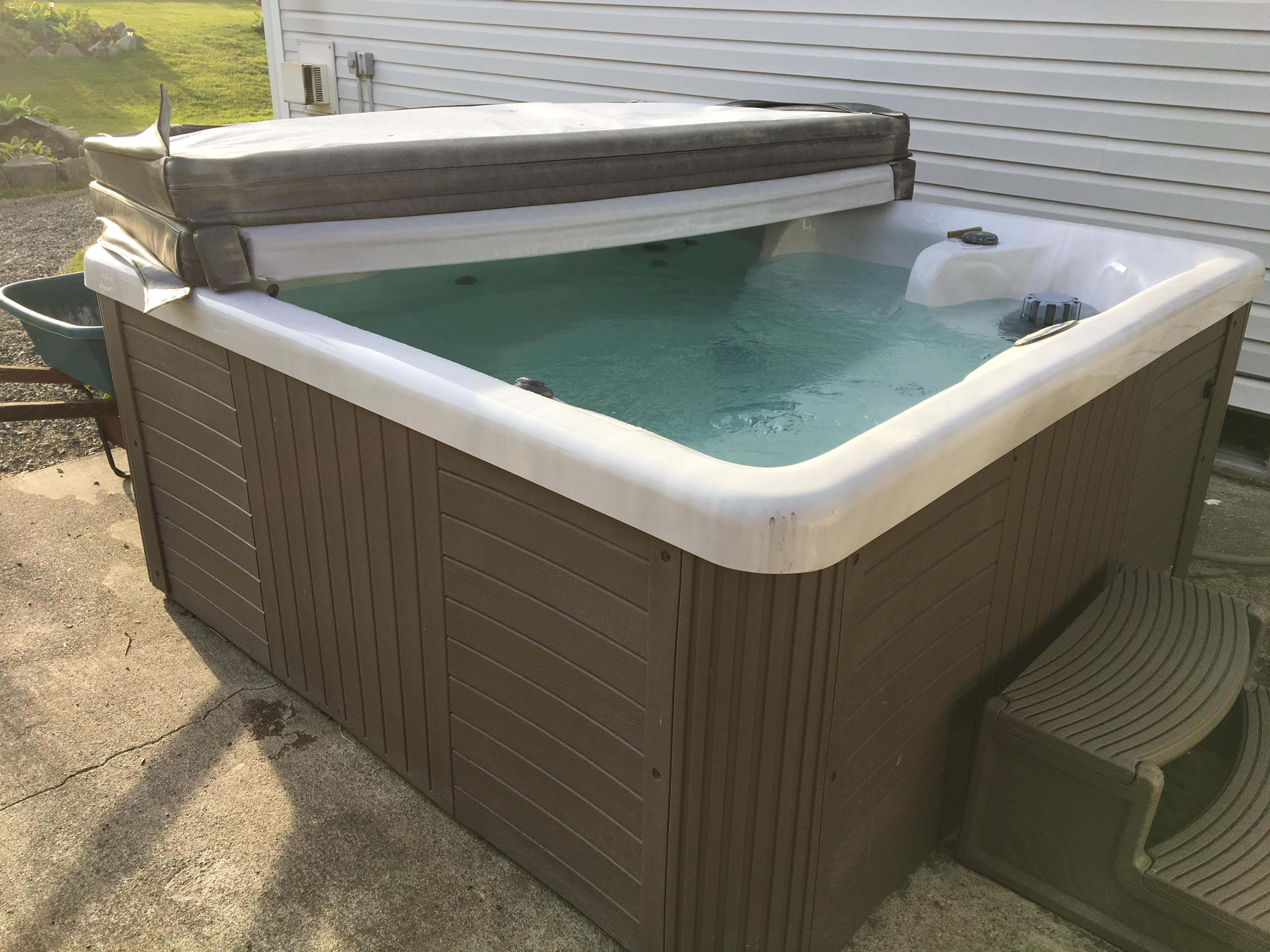 5 person tub