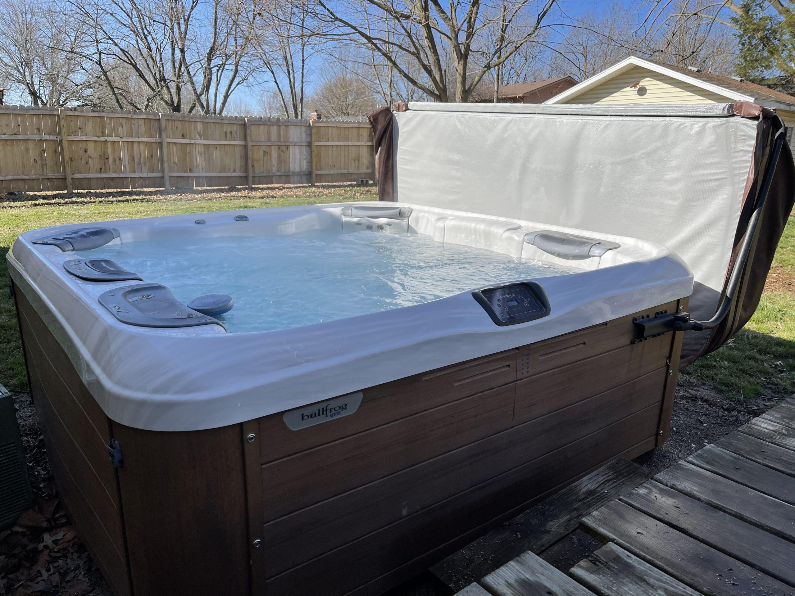 BullFrog 2014 Hottub Spa 7XL // Heated Hot-Tub