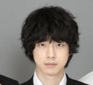 坂口健太郎、髪型、最新