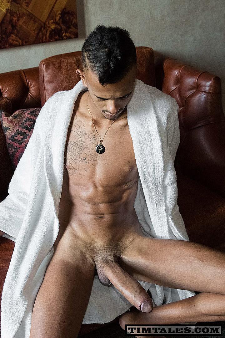Who's Got The Biggest Dick? Caio Veyron Or Eduardo Picasso?