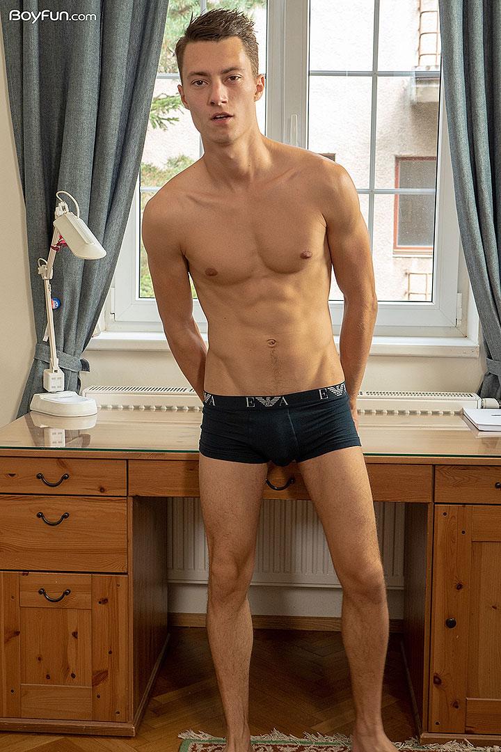 BoyFun: Tommy Hunter Photoset #12