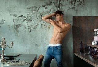 Model Of The Week: Pascal Mauri