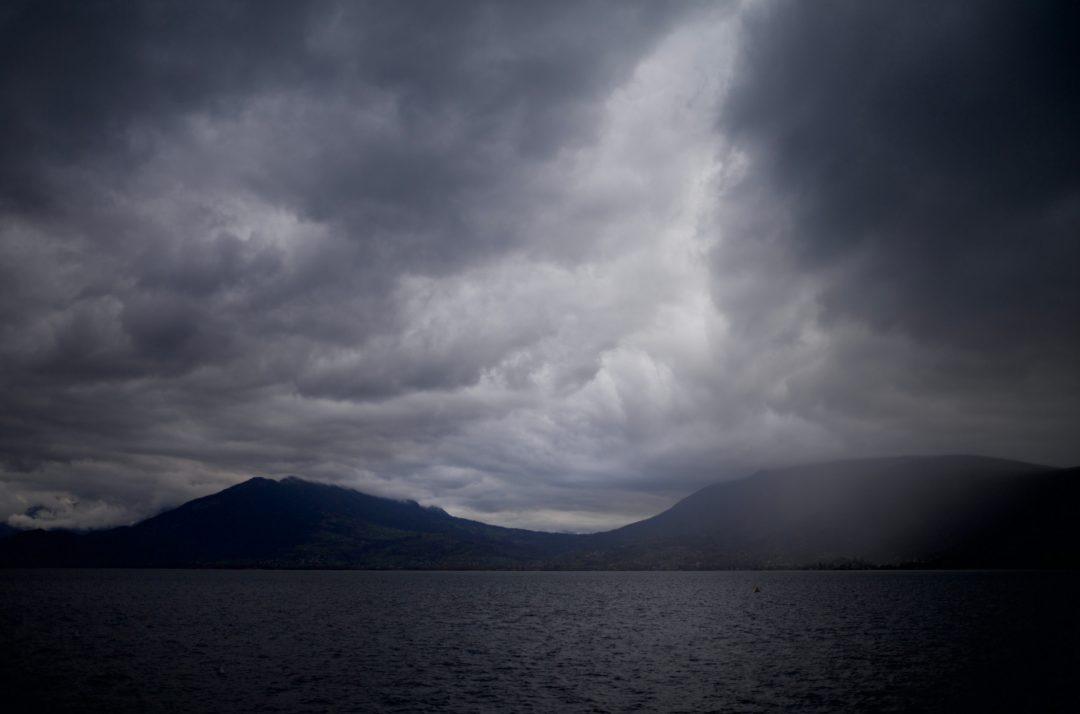 L'orage sur le lac d'annecy
