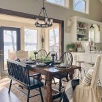 40 Adorable Farmhouse Dining Room Design And Decor Ideas (9)