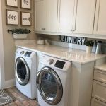 40 Cozy Laundry Room Design and Decor Ideas for Your Home (4)
