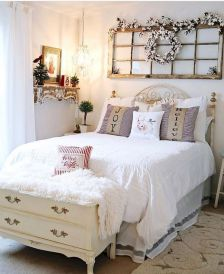 50 Awesome Wall Decor Ideas for bedroom (13)
