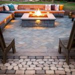 55 Awesome Backyard Fire Pit Ideas For Comfortable Relax (40)