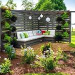 60 Awesome Backyard Privacy Design And Decor Ideas (37)