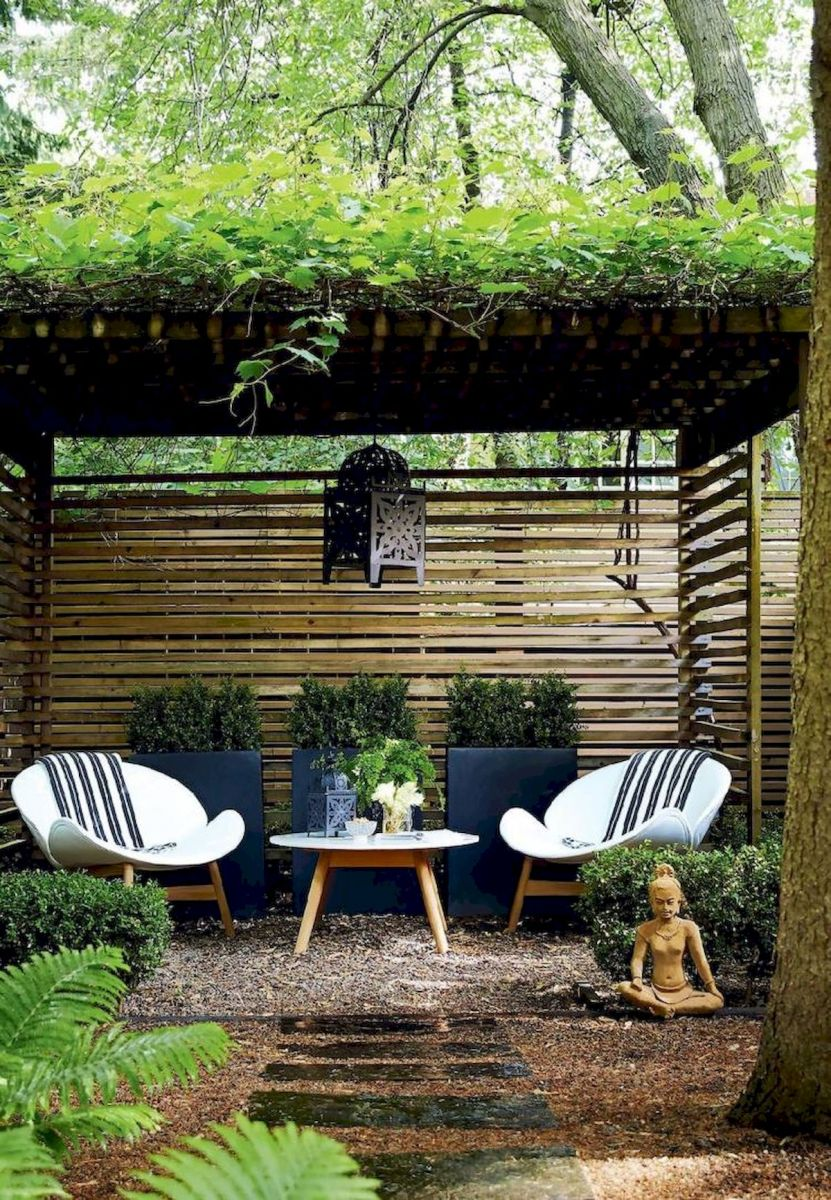 60 Awesome Backyard Privacy Design and Decor Ideas (45)