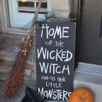 30 Awesome Outdoor Halloween Decorations Ideas (23)
