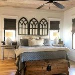 40 Classic Farmhouse Bedroom Design and Decor Ideas That Make Your Home Feel Great (10)