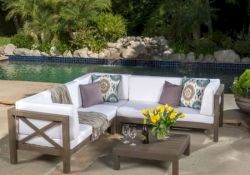 40 Fantastic Outdoor Bench Ideas For Backyard and Front Yard Garden (1)