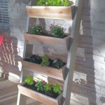44 Fantastic Vertical Garden Ideas To Make Your Home Beautiful (19)
