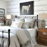 30 Cozy Fall Decoration Ideas For Your Bedroom (27)