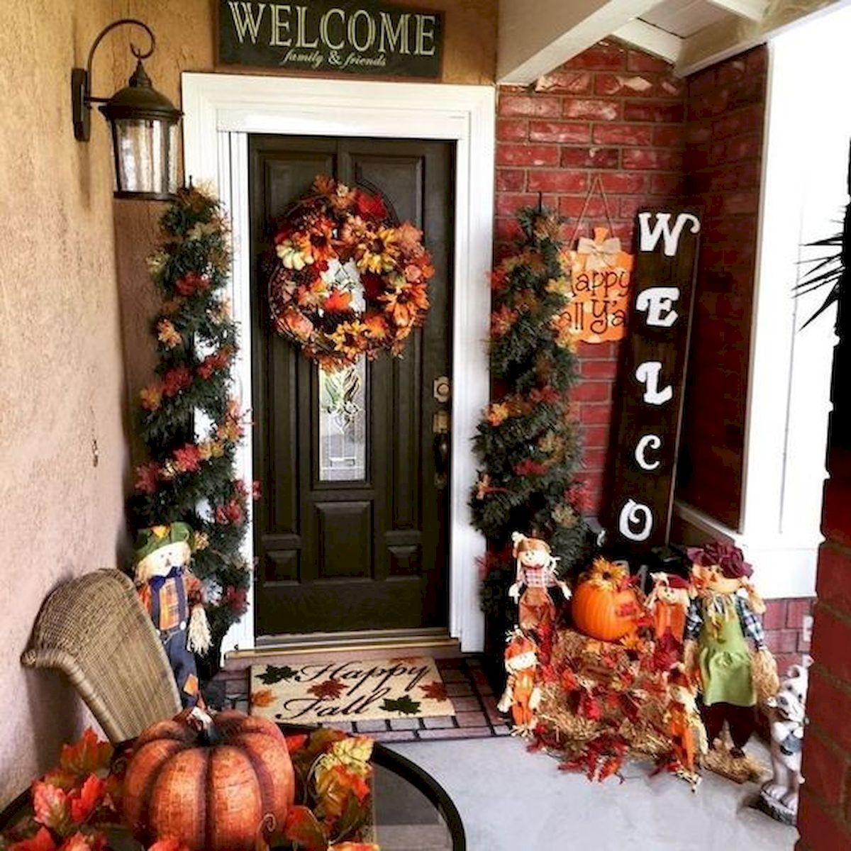 35 Cool Fall Outdoor Decor Ideas You Will Like (4)